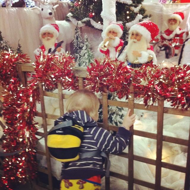 Totally loving the Santa band!