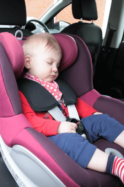 Review: Britax Dualfix car seat - Toby Goes Bananas