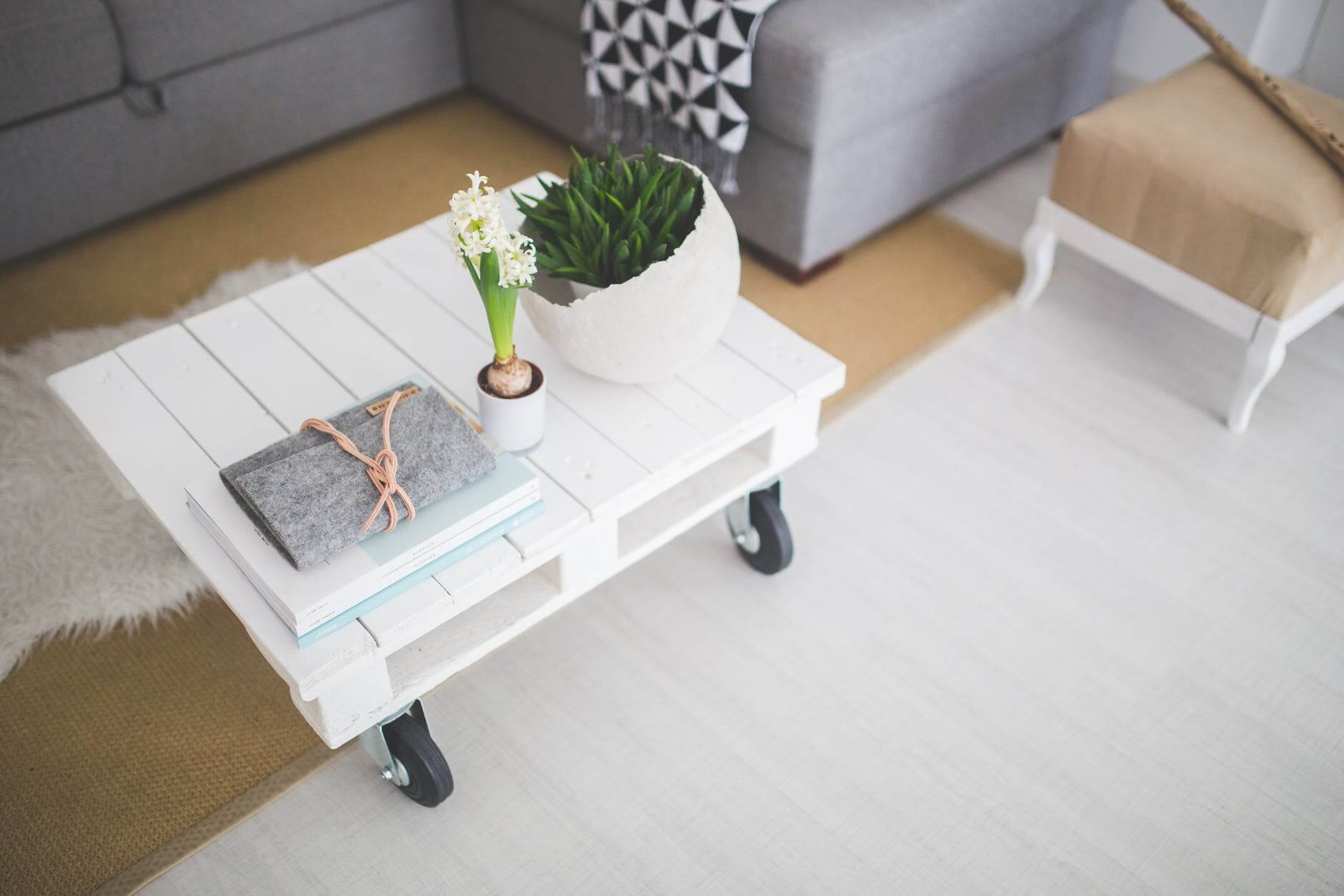 table-white-home-interior