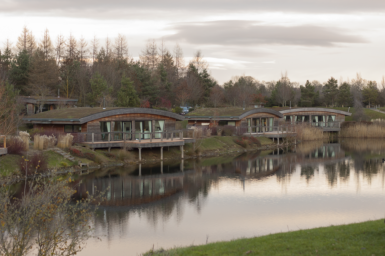 The lakeside lodges at Brompton Lakes